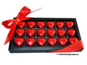 18 bombones corazon logo